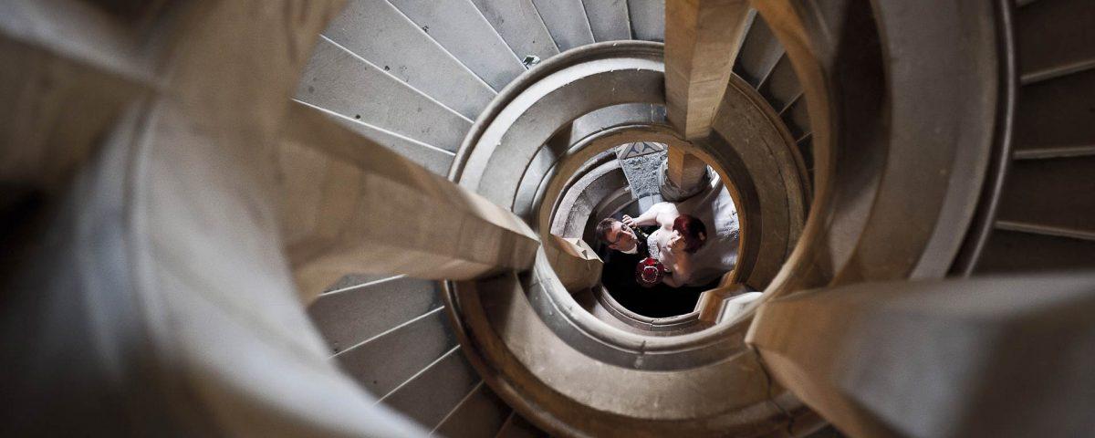Hochzeitsfotografie Wernigerode - Potrait auf der Treppe im Schloss Wernigerode