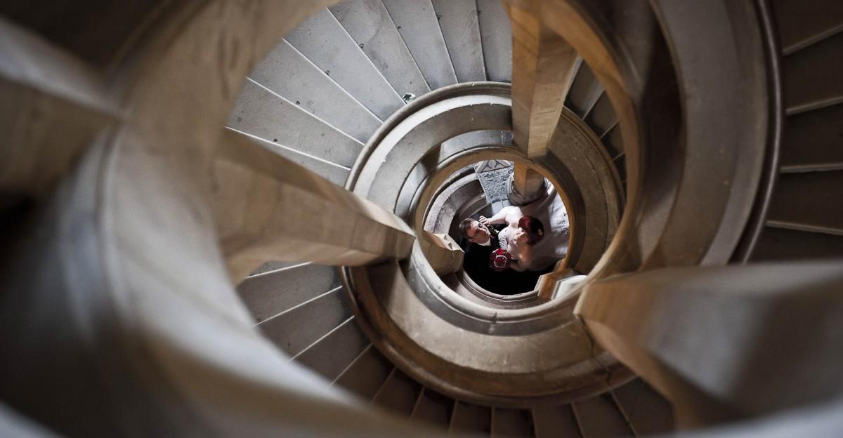Hochzeit Schloss Wernigerode Fotografie - Portrait auf der Treppe im Schloss Wernigerode